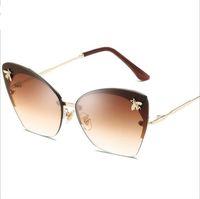 óculos bonitos para mulheres venda por atacado-Abelha bonito Óculos De Sol De Luxo Mulheres 2018 Vintage Sem Aro Senhoras Shades Itália Tendências Moda Rosa Óculos De Sol Feminino Lunette