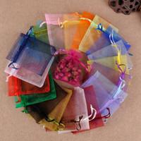 bolsas de regalo amarillas para boda al por mayor-Bolsos de joyería al por mayor MEZCLADO Joyería de Organza Banquete de boda Bolsas de regalo de Navidad Púrpura Azul Rosa Amarillo Negro Con Cordón 7 * 9 cm