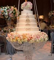 décorations de centres de mariage en mariage chinois achat en gros de-Dia 60 cm ronde cristal lustre gâteau stand suspendus avec cristal perles perlé table centres de table pour la décoration de mariage