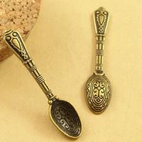 cuillères antiques achat en gros de-A3561 43 * 10 MM Antique Bronze Vintage Rétro bijoux accessoires gros mini cuillère charme pendentif perles, cuillère décorative pour cadeaux