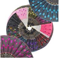 aficionado a la danza del pavo real al por mayor-Lentejuelas Dancing Fan Creative Design Peacock Folding Hand Fans Mujeres Stage Performance Prop Multi Color
