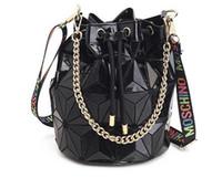 ingrosso fodera di sacchetto di plaid-Le donne famose di marca borsa femminile borse geometriche borse a tracolla a catena plaid borse a tracolla laser borse con coulisse borsa diamante trasporto di goccia