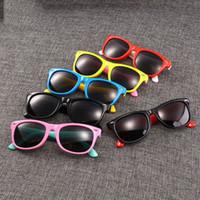 gläser zubehör für kinder großhandel-Klassische Kunststoff-Sonnenbrille Retro Vintage Square Sonnenbrille für Kinder Kinder Strahlenschutzbrille Multi Colors Zubehör