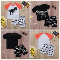 bebek kıyafetleri şeritleri toptan satış-16 renkler Bebek erkek dinozor baskı kıyafetler çocuk şerit üst ve şort 2 adet / takım yaz suit Butik çocuk Giyim Setleri MMA200