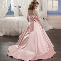 vestidos de noiva de cetim pequenos venda por atacado-Sereia estilo sheer volta vestidos de noiva Vestidos das crianças meninas laço de cetim arco pequeno à direita flor menina vestido de princesa