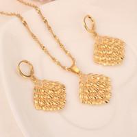 asiatische mädchen kleidet sich großhandel-Gold Halskette Ohrring Set Frauen Party Geschenk Kleid Anhänger Ohrringe Schmuck Sets tägliche Abnutzung Mutter Geschenk DIY Charme Frauen Mädchen Fine Jewelry