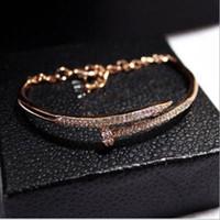 gold trend armbänder großhandel-Neue europäische und amerikanische Trend Temperament Diamant Farbe Armband Armband Nagellack Echtgold Farbe weiblich