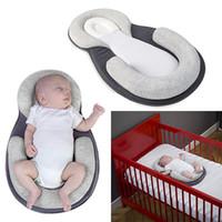 almohada antirruido recién nacido al por mayor-Almohada del lecho del bebé para el recién nacido del bebé Posicionador del sueño infantil Prevenga la forma de la cabeza plana Anti Roll Shaping Pillow HH7-1234