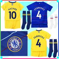 Calzoncillos Chelsea Uniforme para niños 18 19 Calcetines Calcetines Kit  completo Equipación infantil de fútbol con balón Conjunto de fútbol  infantil con ... 27e6e28de3ccd