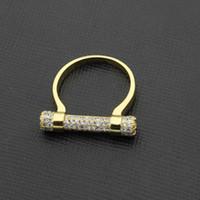 at nalı takı toptan satış-Elmas yüzük tam elmas yüzük ile yüksek dereceli bakır takı yüzük toptan at nalı.