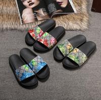 düz sandaletler flip floplar toptan satış-Box 2018 ile Slaytlar Yaz Lüks Tasarımcı Plaj Kapalı Düz G Sandalet Terlik Ev Ayaklı Spike sandal ile Floplar