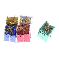 holz weihnachtskästen großhandel-10 stücke Puppenhaus Weihnachten 3D Holz Geschenkbox Spielzeug Mini Miniatur Geschenkbox Würfel Möbel Kits