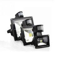 projecteurs de mouvement achat en gros de-12pcs / Lot 10W 20W 30W Blanc 800LM PIR Capteur de Mouvement Sécurité LED Flood Light 85-265V Projecteurs Extérieurs