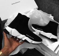 ingrosso moda giovani uomini neri-Calde scarpe nuove calzini neri Scarpe da tennis traspiranti elastiche a collo alto in maglia Scarpe da allenamento rosse casual da uomo e da donna giovani 36-45