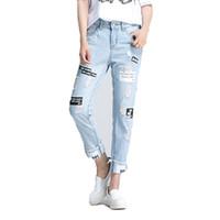 rapazes jeans estilo europeu venda por atacado-2017 Verão Leer Impressão Rasgado Mulheres Jeans Boy Friend Casual Buraco Jeans Para Mulheres Estilo Europeu Das Senhoras Tornozelo Comprimento Calças
