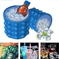 enfriadores de agua de enfriamiento al por mayor-Ice Cube Maker Genie El revolucionario ahorro de espacio Coozie Irlde Ice Genie Herramientas de cocina Cubetas de hielo Juegos al aire libre Agua Cerveza Enfriamiento