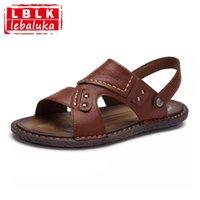 zapatos abiertos de la vendimia para los hombres al por mayor-LebaLuka Vintage Hombre Pisos Sandalias Rivet Punta Abierta Pisos Sandalias Summe Playa Zapatos de Vacaciones Hombre Hombre Calzado Masculino Tamaño 39-43