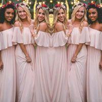 ingrosso bateau style bridesmaid dress-Ultimi Blush Pink Bohemian-Style abiti da damigella d'onore Sexy arruffato off spalla in chiffon lunghi abiti da ballo economici Pretty Party Dress For Weddings