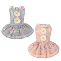 robes à petites fleurs achat en gros de-Habillement élégant de chien de mode, nouvelles robes d'animaux de beauté, habillement de chiens, couleurs grises et roses, impression de fleurs de soleil