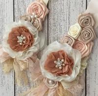 ingrosso capelli rosati di raso-Rosa beige scuro Satin Rosette fiori fascia e fascia set con perle strass pizzo per ragazze accessori per capelli pancia