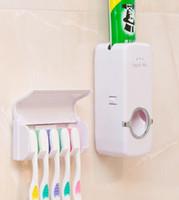 distribuidor automático de creme dental venda por atacado-Dispensador de creme dental automático com porta-escovas de dentes Conjunto Família banheiro Suporte de parede para escova de dentes e creme dental EEA295