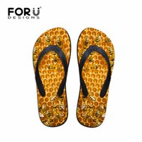 vêtements en caoutchouc pour hommes achat en gros de-Mens été casual sandales animaux pantoufles abeille imprimées en caoutchouc tongs en 3D pour les adolescents résistant à l'usure chaussures de plage hommes appartements