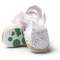 bebek örgüler toptan satış-Bebek Kız Sandalet Yay ile 3 Renkler Bebek Yenidoğan Yumuşak Sole Dokuma Üst Karikatür Baskılı Bebek Yürüyüş Ayakkabıları 0-18 M