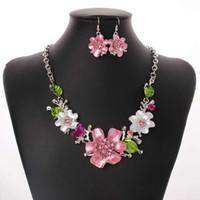 collar de flores blancas para la boda al por mayor-Flores conjuntos de joyería rosa blanco pendientes collares mujeres lindo vestido de novia novia banquete joyería envío gratis