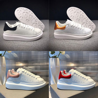 erkek moda tenis ayakkabıları toptan satış-alexander mcqueens Ucuz Kraliçe Lüks Marka Tasarımcı Erkekler Rahat Ayakkabılar Yüksek Kalite Mens Womens Moda Sneaker Deri Ayakkabı Spor Sneakers Tenis