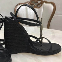 Wholesale beach wedding sandal for sale - Group buy 2018 Slides Summer Luxury Designer Beach Indoor Flat G Sandals Slippers House Flip Flops With Spike sandal35