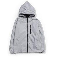 новые бренды спортивной одежды оптовых-New Fashion Style Mens Windbreaker Reflective Hooded Jacket Mens Brand Sports Jacket Clothing Suit Couples Designer Windbreaker