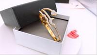 perfume coração diamante venda por atacado-moda europeus e americanos coração novo perfume diamante lettering 18K de titânio pulseira de ouro urdidura das mulheres de aço