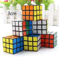 brinquedo infantil menor venda por atacado-Quebra-cabeça cubo Pequeno tamanho 3 cm Mini Magia Cubo Rubik Jogo Rubik Aprendizagem Jogo Educacional Cubo Rubik Bom Presente Brinquedo Descompressão brinquedos para crianças