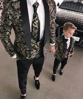 images de garçon achat en gros de-2019 hommes costumes deux pièces plage garçons d'honneur smokings de mariage pour hommes culminé revers formel costume de bal (veste + pantalon) petits garçons vêtements de cérémonie