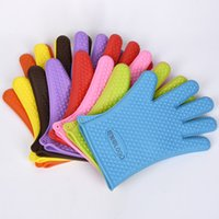 Wholesale kitchen silicone mitts resale online - Silicone Oven Glove Microwave Glove High Temperature Heat Proof Glove Non slip Oven Mitts BBQ Grill Gloves Kitchen Baking Tool VT0528