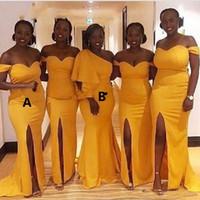 vestido de sirena amarilla raja al por mayor-Chic Plus Size 2019 Vestidos de dama de honor Atractivo amarillo Corte del hombro Sirena Vestidos de fiesta de boda africanos Vestidos de noche hechos a medida