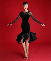 tango için balo dansı elbiseleri toptan satış-2019 Yeni Yetişkin / Kız Latin Dans Elbise Salsa Tango Cha cha Balo Salonu Rekabet uygulama Dans Elbise Siyah seksi ince uzun kollu kadife Dres