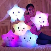 сверкающие звезды оптовых-Мягкие куклы светодиодные звезды свет красочные подушки популярные плюшевые игрушки для детей сверкающих звезда подарок для ребенка #240