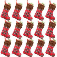 bas de treillis achat en gros de-Vente chaude Petit code treillis en peluche bas de Noël décorations de Noël articles cadeau de Noël sac T9I00104