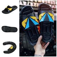 zapatillas de plastico caseras al por mayor-Zapatillas de dibujos animados de plástico antideslizante suave sandalias al aire libre creativo verano pareja hogar zapatos tamaño 40 a 45 caliente venta 32nj E1