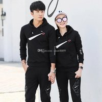 Wholesale 2018 Designer sportswear winter jogging leisure neutral training clothes men s and women s track and field clothes Luxury caps and guards