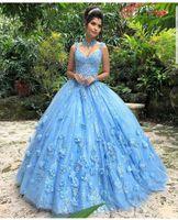 красивые женщины одеваются синий оптовых-Quinceanera платья Blue 3D Цветы Кружева Аппликации V образным вырезом бальное платье развертки Поезд Красивые Свадебные платья для женщин vestidos де Quinceanera