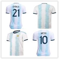 maillot gratuit messi achat en gros de-Argentine 2019 Copa America Soccer Jersey Accueil Bleu Blanc Maillot De Football Messi Dybala Uniforme Du Football Plus 10pcs Livraison DHL Gratuite