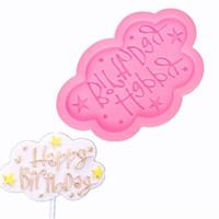 feliz cumpleaños molde de pastel de silicona al por mayor-Happy Birthday Letter Fondant Cake Molde de silicona Moldes para dulces de chocolate Galletas Pastelería Galletas Molde Herramienta de decoración de pasteles para hornear