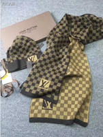casquillo del mantón al por mayor-La alta calidad de la marca de lujo Sombreros Pañuelos Establece mujeres de los hombres de invierno bufanda de la cachemira Diseño chales de lana Caps Beanie Wraps bufandas con la caja de envío