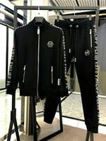 camisas casuais asiáticas venda por atacado-2019 moda masculina dos homens designer de zíper sportswear terno dos homens camisa casual terno e calças Medusa sportswear código asiático M-3XL