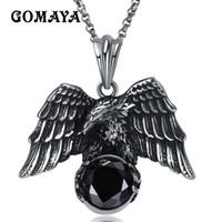 colgante de águila negra al por mayor-GOMAYA Águila de color plateado con collar de circón negro Hombres Joyería de acero de titanio Vintage Cool Collier GMYN079