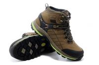neue hoch geschnittene schuhe großhandel-Männer Outdoor hohe braune graue Schuhe Atmungsaktiv Camping Klettern Gummi Rutschfeste Jagd Angeln Wanderschuhe New High Low Cut verschleißfest