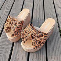 sandalias de marcas famosas al por mayor-Nuevo 9 CM Altura del tacón Moda Mujer Sandalias Marca Famosa Tanga Chanclas Mujer Verano zapatos Sandalias de playa
