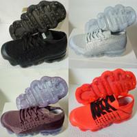 bebek kızı mor top toptan satış-Bebek Çocuk Ayakkabı 2019 Koşu Ayakkabıları Çocuk Atletik Ayakkabılar Erkek Kız Eğitim Spor Sneakers Ile Siyah Beyaz Gri Turuncu Mor kutu